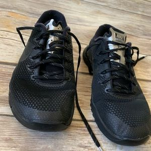 NIKE METCON 4 BLACK ON BLACK SIZE 7